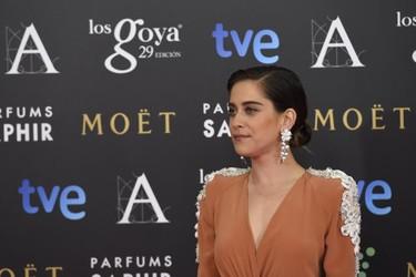 María León al más puro estilo vintage con grandes toques andaluces en los Premios Goya 2015