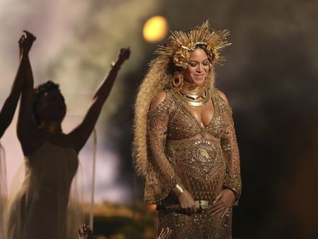 Ictericia: una condición muy común en recién nacidos que mantiene ingresados a los mellizos de Beyoncé