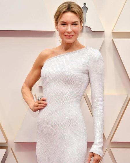 Renée Zellweger luce el look más sobrio de los Oscar 2020 demostrando que menos es más