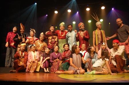 Visitando Malasia MUD obra de teatro