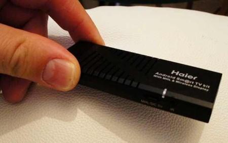 Aquí podemos ver el tamaño del Haier TV Stick