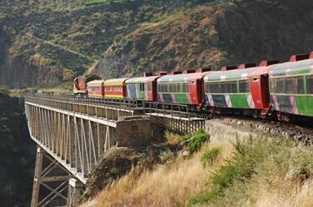 Viaja a 5.000 metros de altura en el tren más alto del mundo