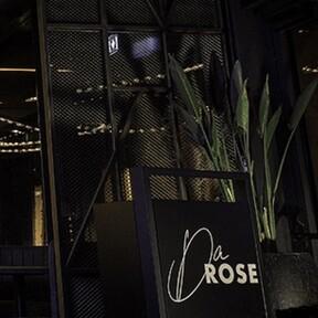 De las canchas a la mesa: el futbolista David Alaba estrena DaRose, su primer restaurante fusión en Vienna