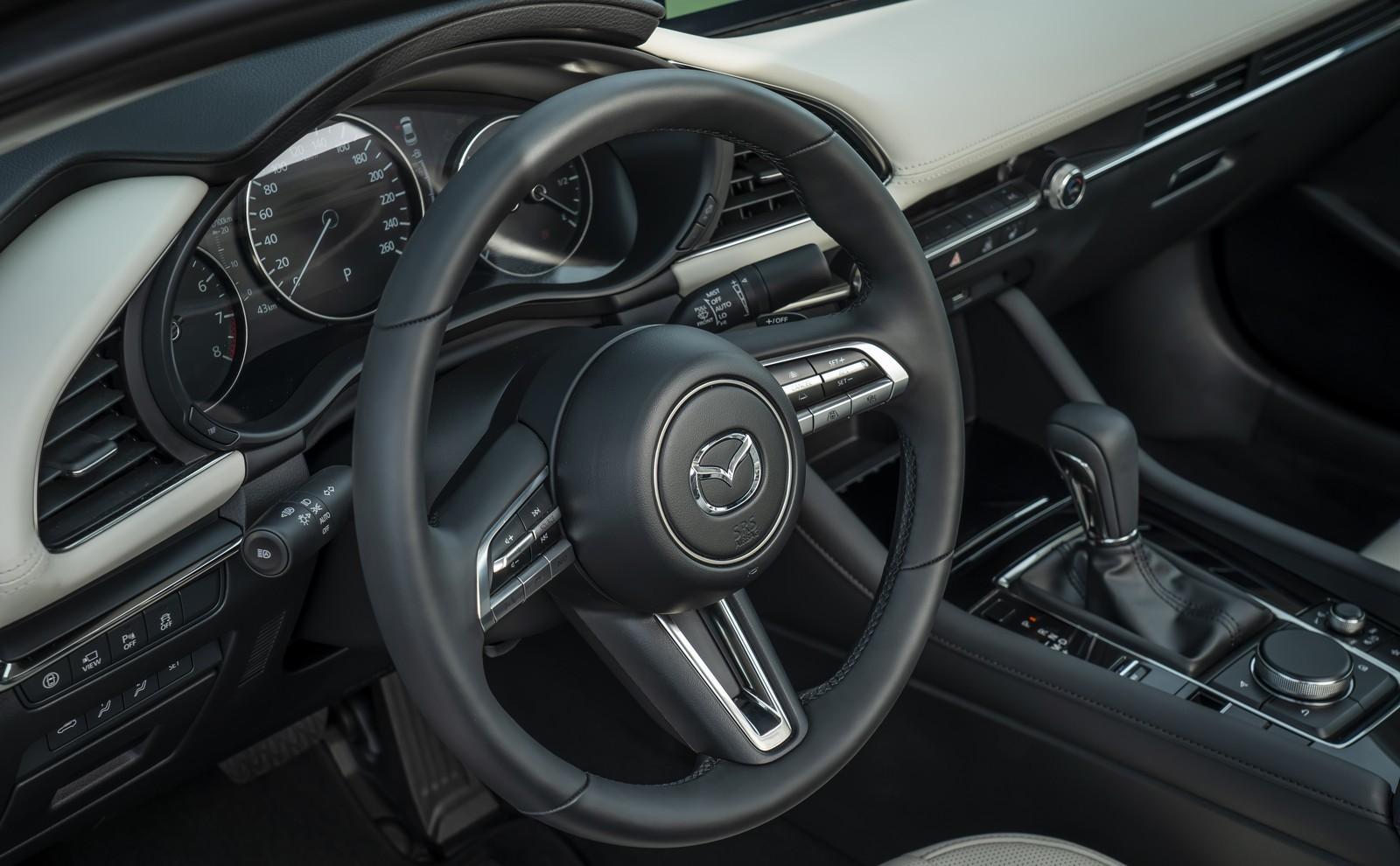 Foto de Mazda3 2019 Sedán (24/40)