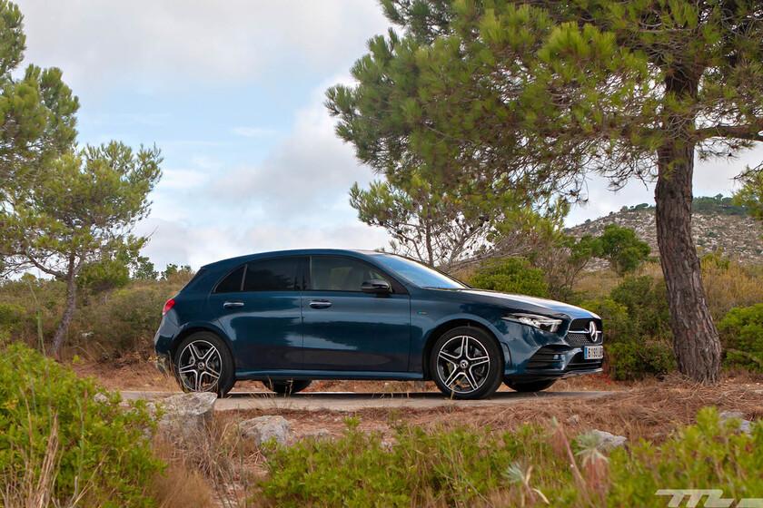 Probamos el Mercedes-Benz A 250e: un híbrido enchufable que convence por autonomía y consumo, pero no por dinamismo