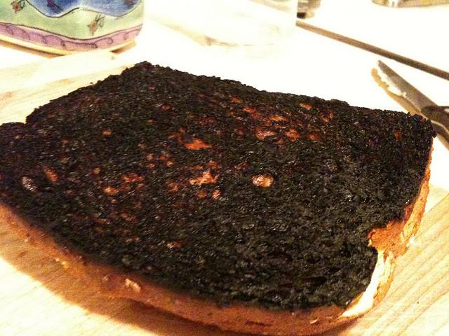 Cómo salvar la comida quemada