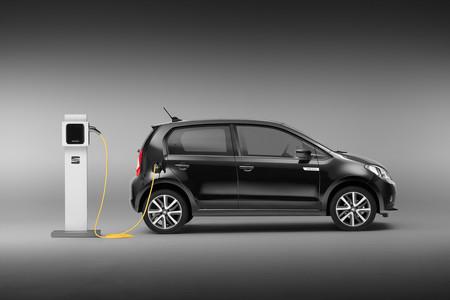 SEAT se une a Iberdrola para llenar España de puntos de recarga rápida y superrápida para coches eléctricos