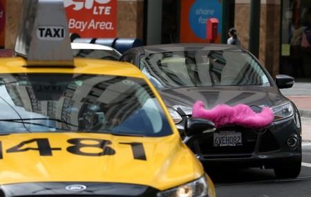 Los primeros taxis autónomos y eléctricos saldrán a las calles en 2017 gracias a GM y Lyft