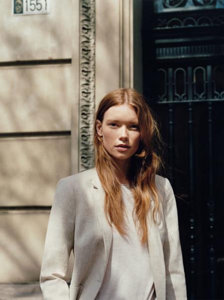 El estilo minimalista invade Monday to Friday, la nueva editorial de Zara para esta primavera