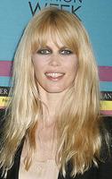 El look zombie de Claudia Schiffer