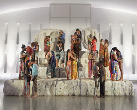 Love Different: besos, arte y la celebración de la diferencia que Desigual realizó en Miami Art Basel