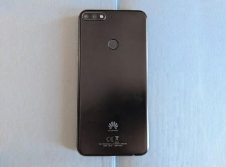 Diseno Huawei Y7 Atras