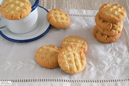 Cómo hacer galletas sin gluten (y sin huevo) con solo tres ingredientes: receta exprés para personalizar al gusto