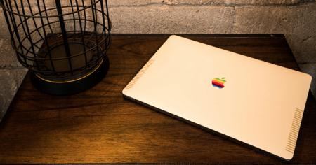 Lo retro está de moda, esta funda convierte tu MacBook en un precioso Mac de los ochenta