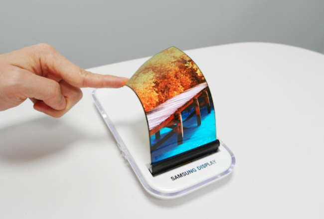 Un jarro de agua fría para las pantallas flexibles: nada hasta 2019, según Samsung