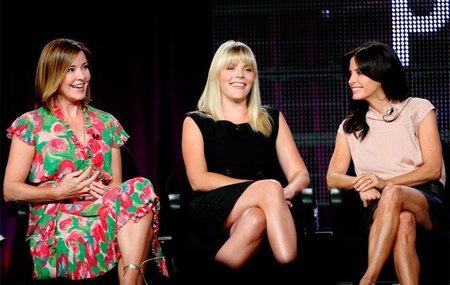 La tercera temporada de 'Cougar Town' se queda sin fecha de estreno y es reducida a 15 capítulos