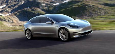 Tesla Model 3: hasta 499 km de autonomía y Autopilot, pero pagando bien por cada extra de más