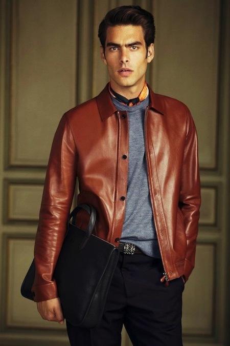 Jon Kortajarena y Loewe: la clásica elegancia y el buen saber vestir en la Primavera-Verano 2013