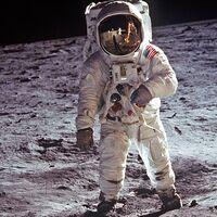 Que el hombre llegar a la Luna fue una verdadera proeza, pero retransmitir aquello fue también un desafío técnico brutal