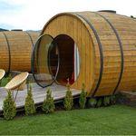 Dormir en un barril gigante en un viñedo portugués, toda una experiencia