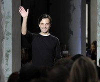 Balenciaga demanda a Nicolás Ghesquiére por seis millones de libras