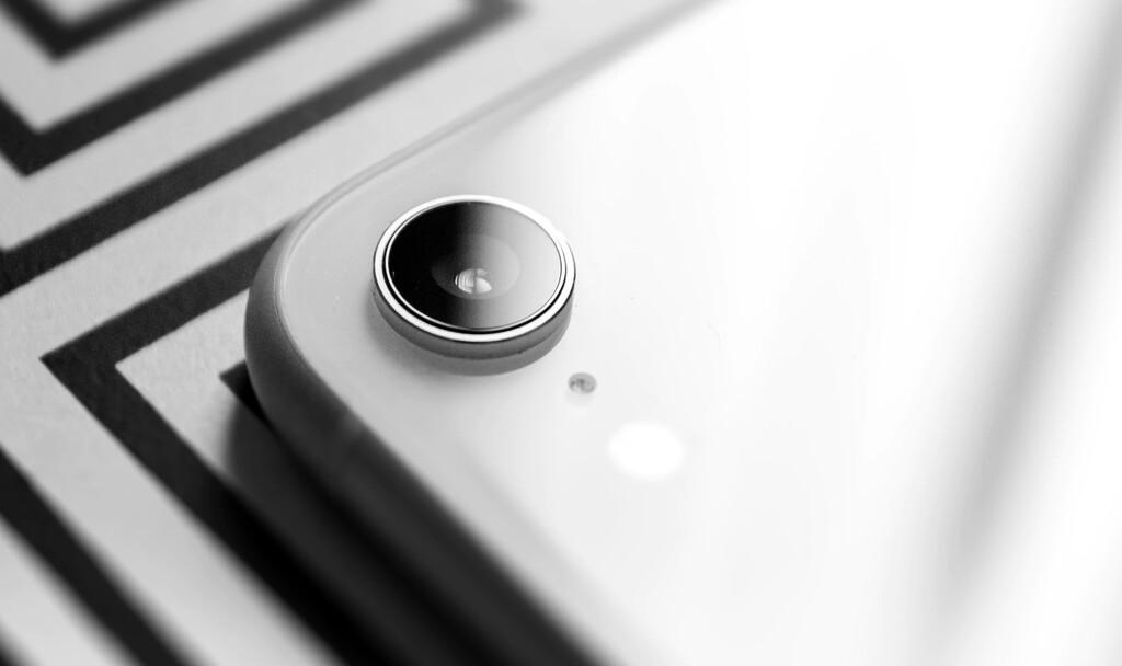 iOS 14.4 avisará cuando detecte cámaras no oficiales en los iPhone