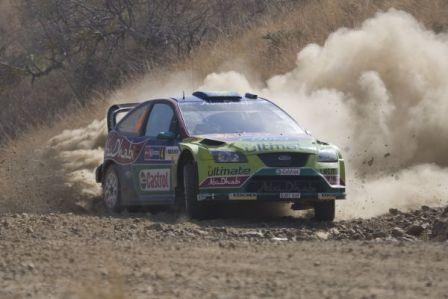 Jari-Matti Latvala sigue sorprendiendo y lidera el Rally de México