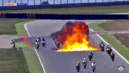 Terrorífico accidente durante la carrera de Moto2 en el CEV