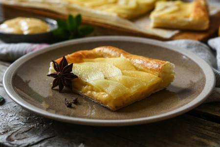 Elaboración de la Tarta De Manzana Especiada Y Crema Pastelera