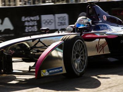 Exhibición de Sebastien Buemi en el ePrix de Buenos Aires, victoria para Sam Bird
