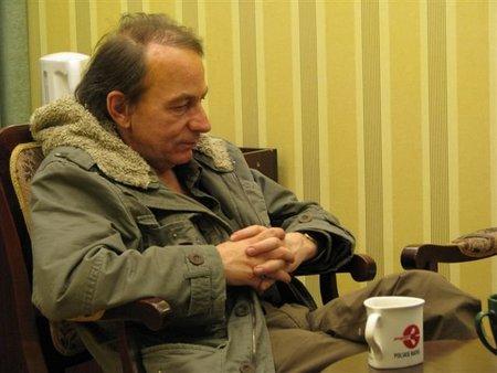 Michel Houellebecq descubre la Wikipedia