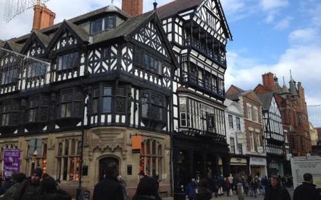 Chester, la ciudad que vio nacer al actual James Bond