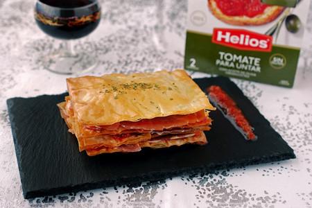 Aperitivo de Navidad: Milhojas de masa filo con jamón ibérico y tomate