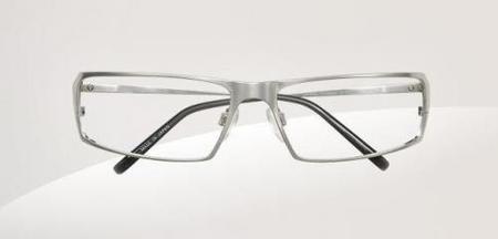 Escaparate Lacoste de gafas Óptica para hombre