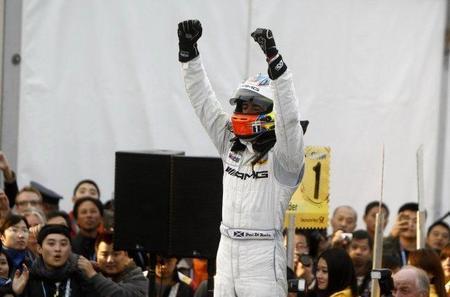 Mercedes consiguió dominar el DTM gracias a la ausencia de órdenes de equipo