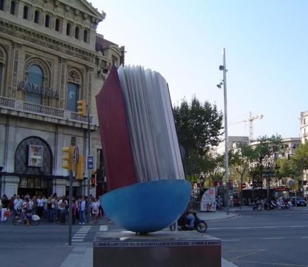Monumento al Libro (Barcelona, España)