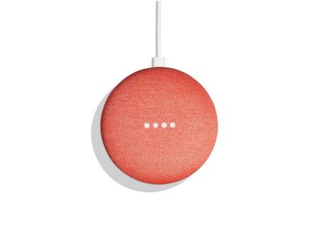 Google Home Mini no podría empezar peor: graba y publica las conversaciones de dueños sin permiso
