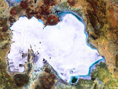Así es salar mayor del mundo, visto desde el espacio