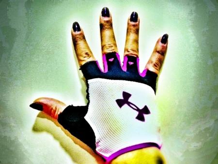 Cuida tus manos cuando entrenes con pesas