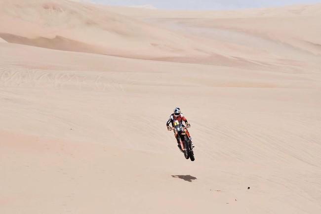 Sam Sunderland recuperar el liderato en la tercera etapa del Dakar 2018; Joan Barreda se pierde