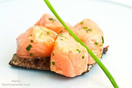 Tacos de salmón marinado con su piel. Receta