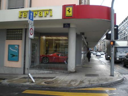Ferrari cancela el contrato con todos sus distribuidores en Europa