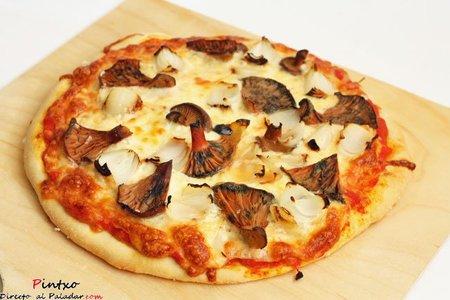Pizza de níscalos y cebollitas glaseadas. Receta