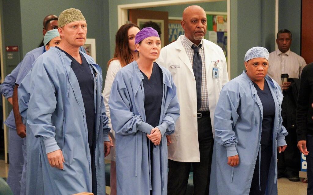 'Anatomía de Grey' es renovada por una temporada 18: Ellen Pompeo, Chandra Wilson y James Pickens Jr. seguirán al frente del reparto
