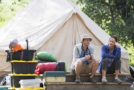 Tráiler de 'Camping': Jennifer Garner y David Tennant se toman unas (estresantes) vacaciones en la nueva comedia de HBO