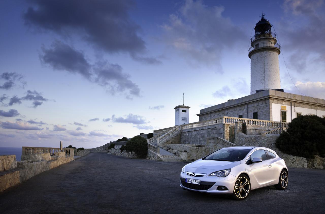 Foto de Opel Astra GTC (56/90)