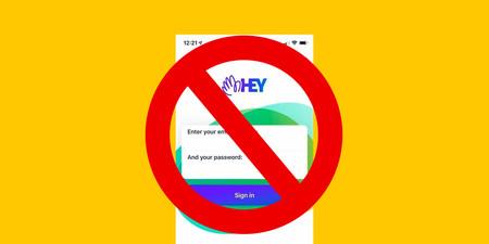 """HEY: el caso de la app de correo que puso en el ojo del huracán las reglas de la App Store y hasta tachó a Apple de """"mafiosos"""""""