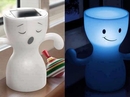 Globoy Blue Light, la lámpara de noche solar más alegre