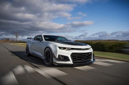 El Chevrolet Camaro ZL1 1LE ya puede pedirse automático... y es más rápido que el manual