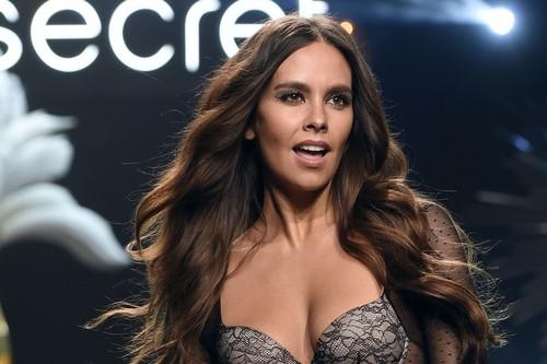Cristina Pedroche deslumbra desfilando en lencería para Women' Secret